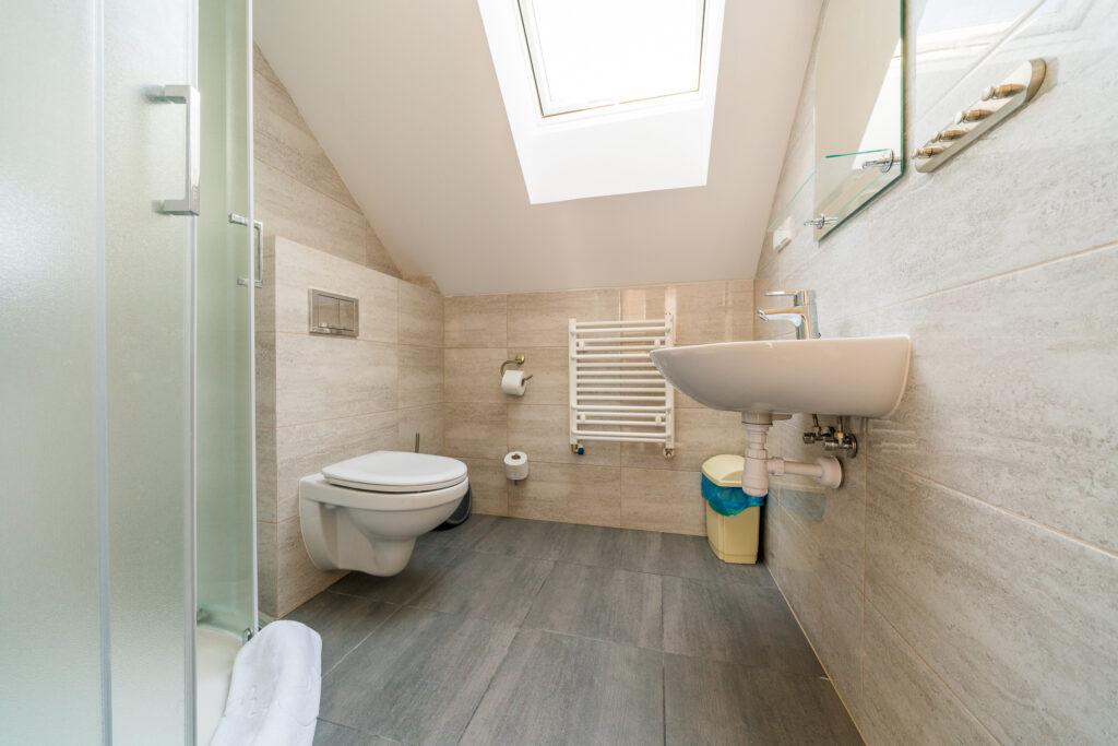 magnolia debki apartament z lazienka z prysznicem