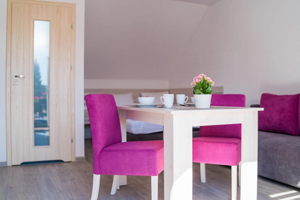 stol i krzesla magnolia